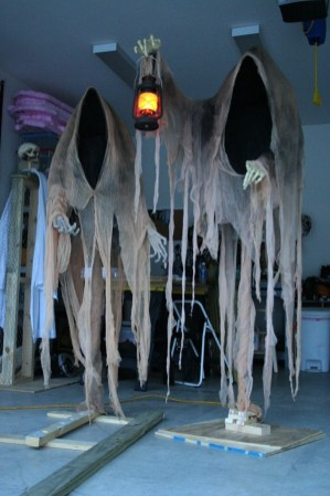 Outstanding Diy Halloween Decorations Ideas For Party Decor18
