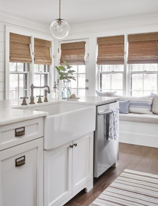 Spectacular Farmhouse Window Design Ideas To Copy Right Now38