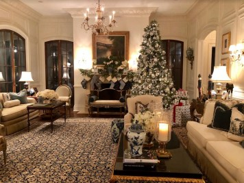 Adorable Christmas Home Design Ideas To Fun Up Your Home12