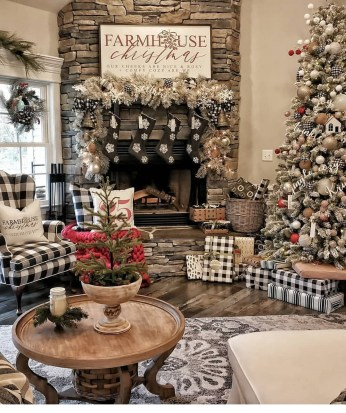 Adorable Christmas Home Design Ideas To Fun Up Your Home17