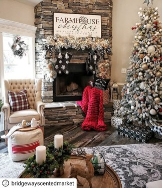Adorable Christmas Home Design Ideas To Fun Up Your Home22