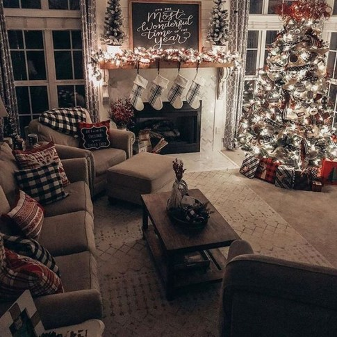 Adorable Christmas Home Design Ideas To Fun Up Your Home29