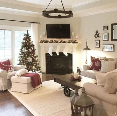 Extraordinary Christmas Living Room Decoration Ideas To Try Asap05