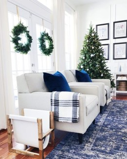 Extraordinary Christmas Living Room Decoration Ideas To Try Asap08