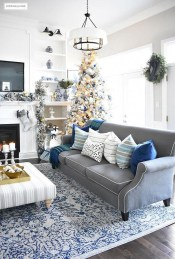 Extraordinary Christmas Living Room Decoration Ideas To Try Asap13