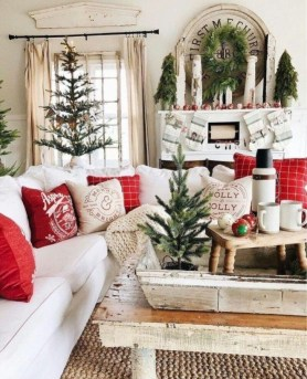 Extraordinary Christmas Living Room Decoration Ideas To Try Asap33