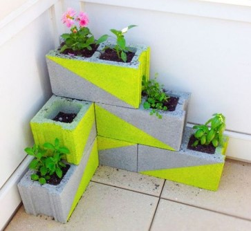 Latest Home Garden Design Ideas With Cinder Block To Try29