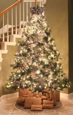 Trendy Diy Christmas Trees Design Ideas That Using Simple Free Materials13