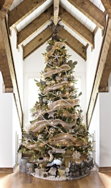 Trendy Diy Christmas Trees Design Ideas That Using Simple Free Materials16