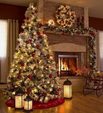Trendy Diy Christmas Trees Design Ideas That Using Simple Free Materials17