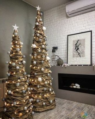 Trendy Diy Christmas Trees Design Ideas That Using Simple Free Materials26