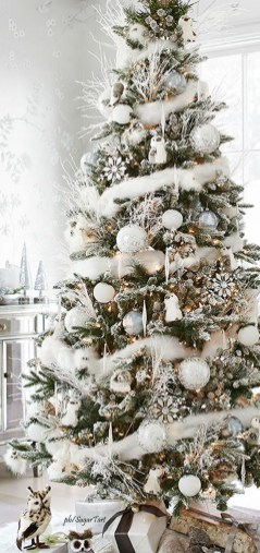 Trendy Diy Christmas Trees Design Ideas That Using Simple Free Materials32