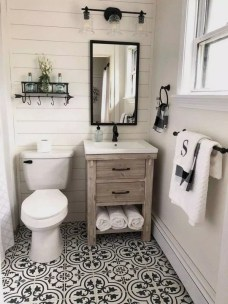 Trendy Farmhouse Bathroom Design Ideas To Try Right Now03