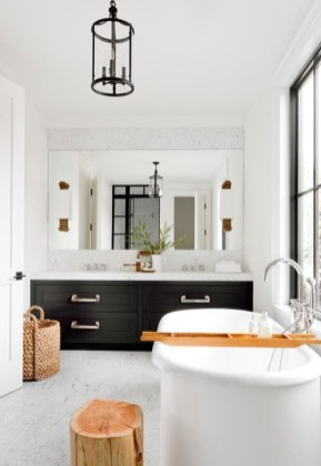 Trendy Farmhouse Bathroom Design Ideas To Try Right Now06