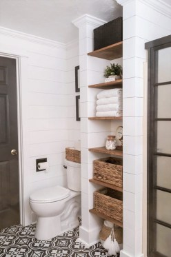 Trendy Farmhouse Bathroom Design Ideas To Try Right Now15