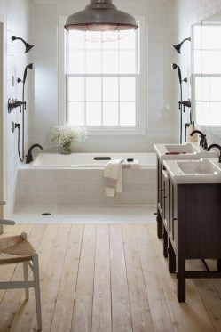 Trendy Farmhouse Bathroom Design Ideas To Try Right Now17