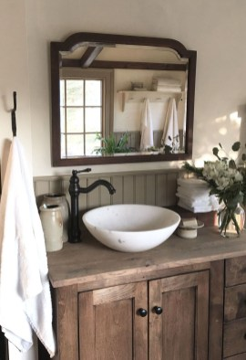 Trendy Farmhouse Bathroom Design Ideas To Try Right Now25