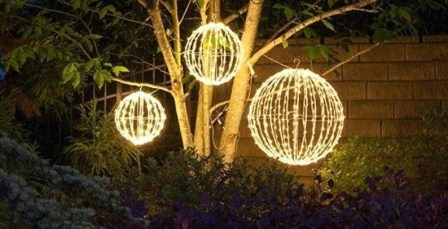 Unusual Diy Christmas Light Balls Ideas For Outdoor Decoration08