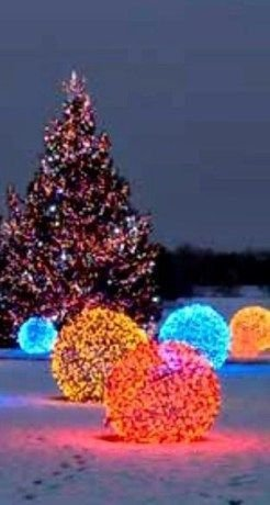Unusual Diy Christmas Light Balls Ideas For Outdoor Decoration09