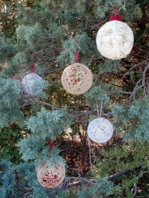 Unusual Diy Christmas Light Balls Ideas For Outdoor Decoration10