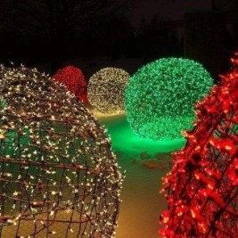 Unusual Diy Christmas Light Balls Ideas For Outdoor Decoration32