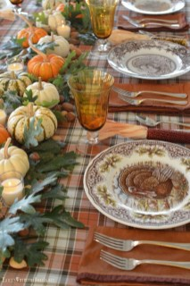 Amazing Thanksgiving Tablescapes Ideas For More Taste And Enjoyful05