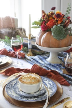 Amazing Thanksgiving Tablescapes Ideas For More Taste And Enjoyful07