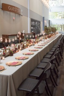 Amazing Thanksgiving Tablescapes Ideas For More Taste And Enjoyful13