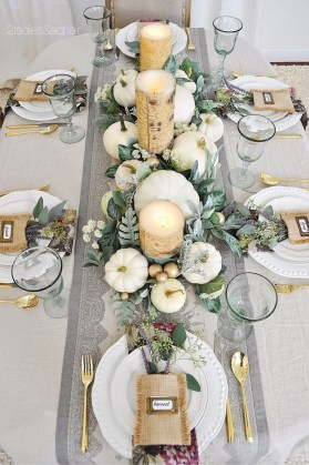 Amazing Thanksgiving Tablescapes Ideas For More Taste And Enjoyful17