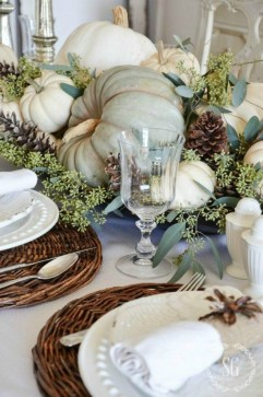 Amazing Thanksgiving Tablescapes Ideas For More Taste And Enjoyful27