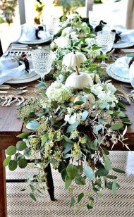 Amazing Thanksgiving Tablescapes Ideas For More Taste And Enjoyful29