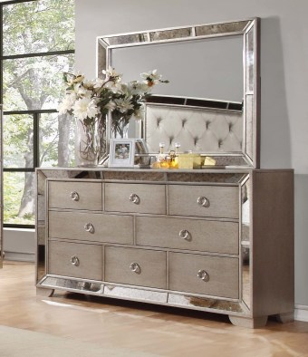 Attractive Bedroom Dressers Ideas With Mirrors To Try This Year15