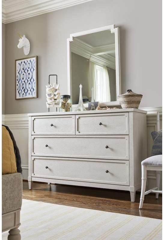 Attractive Bedroom Dressers Ideas With Mirrors To Try This Year27