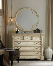 Attractive Bedroom Dressers Ideas With Mirrors To Try This Year32