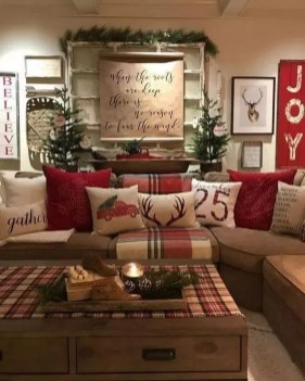 Hottest Farmhouse Christmas Decorations Ideas To Try Asap32