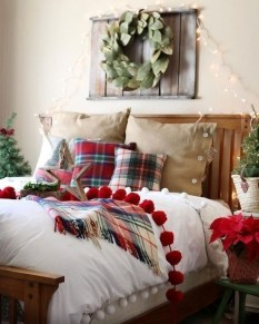 Latest Christmas Bedroom Decor Ideas For Kids To Try01