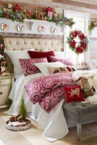 Latest Christmas Bedroom Decor Ideas For Kids To Try04