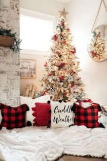 Latest Christmas Bedroom Decor Ideas For Kids To Try27