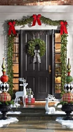Newest Christmas Door Decoration Ideas You Must Try Right Now06