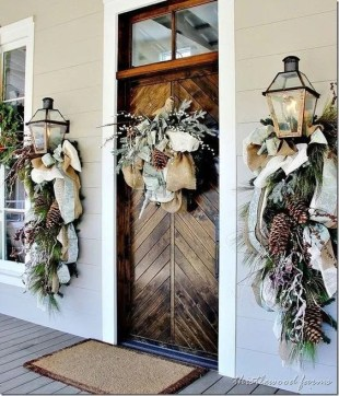 Newest Christmas Door Decoration Ideas You Must Try Right Now30