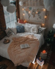 Stylish Bohemian Style Bedroom Decor Design Ideas To Try Asap02