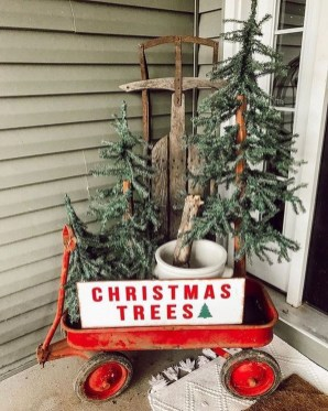 Trendy Outdoor Christmas Decorations To Copy Right Now16