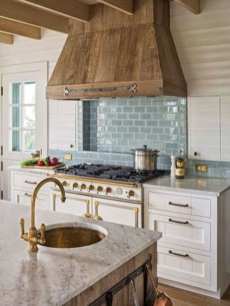 Wonderful French Country Kitchen Design Ideas For Small Space38