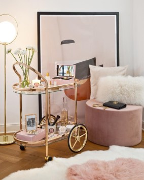 Gorgeous Gold Color Interior Design Ideas For Your Home Style To Copy10