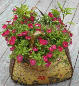 Sophisticated Container Garden Flower Ideas For This Winter To Try05