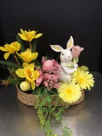 Stylish Easter Flower Arrangement Ideas That You Will Love13