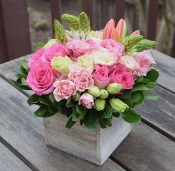 Stylish Easter Flower Arrangement Ideas That You Will Love18