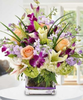 Stylish Easter Flower Arrangement Ideas That You Will Love19