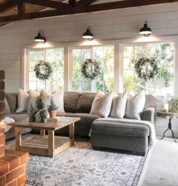 Top Farmhouse Style Living Room Decor Ideas That Looks Adorable15
