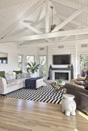 Top Farmhouse Style Living Room Decor Ideas That Looks Adorable31